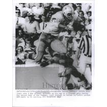 1969 Press Photo Dallas Cowboys Calvin Hill leaps New O - RRQ67079
