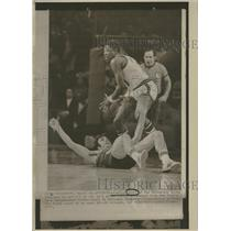 1972 Press Photo Curtis Perry National Basketball Assoc - RRQ16519
