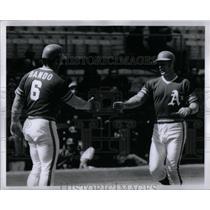 1972 Press Photo Bando Tenace As Players Congratulate - RRQ44601
