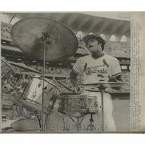 1974 Press Photo St Louis Cardinal Reggie Smith drum Busch Memorial Stadium Expo
