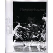 Press Photo Mike Gale San Antonio Spurs - RRQ43895