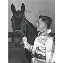 1966 Press Photo Tom McGinnis & Shore Lot horse - RRQ64043