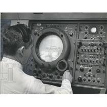 1964 Press Photo Birmingham Municipal Airport - Bing Horton, Control Tower