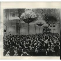 1954 Press Photo Russian children packed Kremlin ballroom at a New Year's party