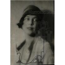 1927 Press Photo Novelist Wife Miss Josiah Holland - RRW95921