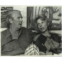 1977 Press Photo New Orleans Saints - Mr. & Mrs. Noel Hester Talk of Ray Hester
