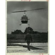 1969 Press Photo Metro Air Charter Helicopter at Royal Coach Inn Heliport