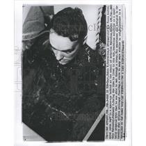 1960 Press Photo Dunne Graveline Finishes Experiment - RRW29881