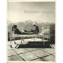 1937 Press Photo International factory clinic health - RRW40879