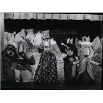 1965 Press Photo Walter K Fleck Puppet Maker Producer - RRW06251