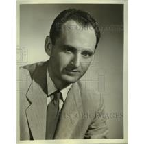 1952 Press Photo Irving Gitlin, producer-writer of show on CBS Radio Network
