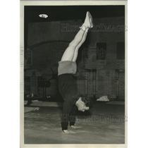 1932 Press Photo Midshipman Herbert Jukes of Naval Academy Gymnast Team