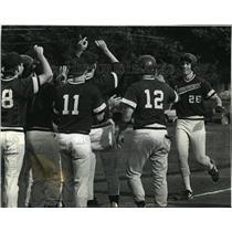 1992 Press Photo Oconomowoc High School - Tim Nelson and Baseball Team