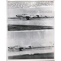 1953 Press Photo America Air Force Jet Interceptor Starfire releases parachute