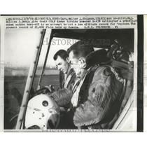 1959 Press Photo Capt. Hodgson and co-pilot on H-43B helicopter before take off