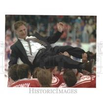 1992 Press Photo Viktor Tikhonov, coach of Unified Team, Olympics - mjp26996