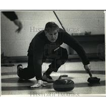 1991 Press Photo Milwaukee Curling Club - Bill Troyk in Kiltie Mixed Bonspiel
