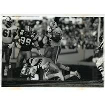 1992 Press Photo Green Bay Packers - Tony Bennett Sacks Vinny Testaverde