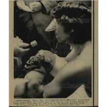 1974 Press Photo New York Jets football quarterback Joe Namath after a game