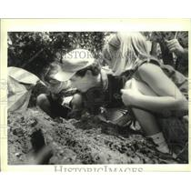 1995 Press Photo Brownie Girl Scouts at Audobon Institute–Louisiana Nature Ctr