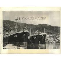 1942 Press Photo Ships in Pacific Russian Port, Petropavlovsk - mjx52848