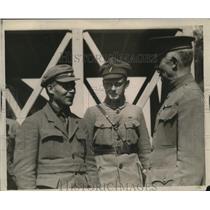 1923 Press Photo General Kuhn welcomes Czech-Slovak Army officials - nem70581