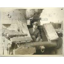 1926 Press Photo Secretary of War Dwight F Davis with an Army tank - nem71597