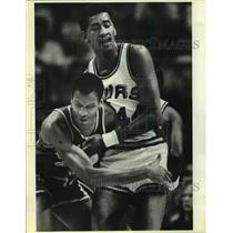 Press Photo Phoenix Suns and San Antonio Spurs play NBA basketball - sas15260