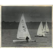 1968 Press Photo Jeorg Bruder and his sailboat during race off Milwaukee
