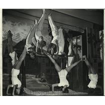 1953 Press Photo Swiss Turner Gymnastic Demonstration in Milwaukee, Wisconsin