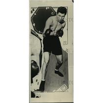 1924 Press Photo Sammy Baker, boxer shows form. - mjt04120