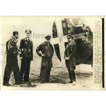 1941 Press Photo Aviator Sons of Benito Mussolini Chat with German War Reporter