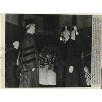 1945 Press Photo Capt. Eddie V. Rickenbacker made and Honorary of Doctor of Law