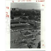 1982 Press Photo Helicopters at Shamrock Hilton Hotel parking lot in Houston
