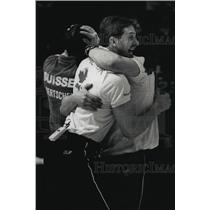 1989 Press Photo Canadian curlers Don Walchuck and Pat Ryan embrace after win