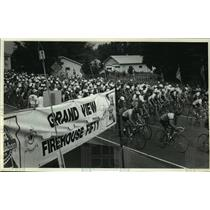 1987 Press Photo Bicycle riders at Grand View Firehouse Fifty race - mjt02941