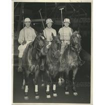1932 Press Photo Arnie Fisher and two other Polo players on their horses.