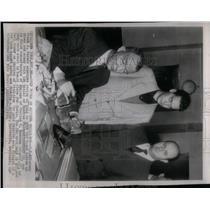 1950 Press Photo US Attorney Frank Parker strip gold - RRX18173