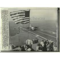 1966 Press Photo XC 142 V/STOL lands aboard the USS Bennington in the Pacific