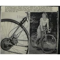 1977 Press Photo Automatic transmission for bicycles invented by George Ripley