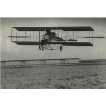 1966 Press Photo Dale Crites got his 1912 Curtiss Pusher biplane off the Ground.