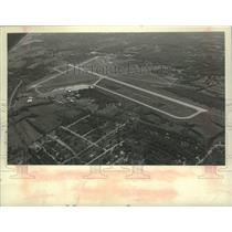 1976 Press Photo Airiel view of Schenectady County Airport in New York