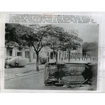 1961 Press Photo After riots, wrecked autos line the streets of Guayaquil