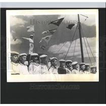 1937 Press Photo Soviet Boys Playing Sailer Mariupol - RRX98725