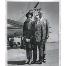 1958 Press Photo American Family Travels Europe Plane - RRV20761