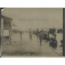1920 Press Photo Public Bathing Place Colombo Ceylon - RRX99563