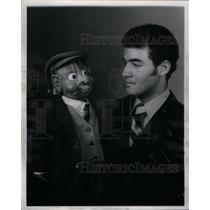 1971 Press Photo Ventriloquist Mark Hellerstein Puppet - RRX58477