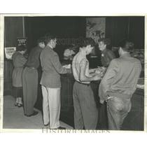 1952 Press Photo Lobby Of Milwaukee Journal Newspaper Building On State Street