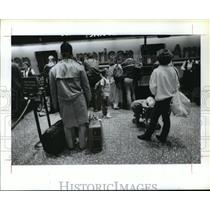 1989 Press Photo Lines at ticket counter at Houston Intercontinental Airport