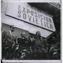 1960 Press Photo Fidel Castro Group - RRX47897